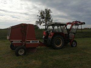 Zetor 5011 i Hesston 5630