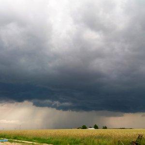 Burza w okolicach Wielunia - województwo łódzkie
