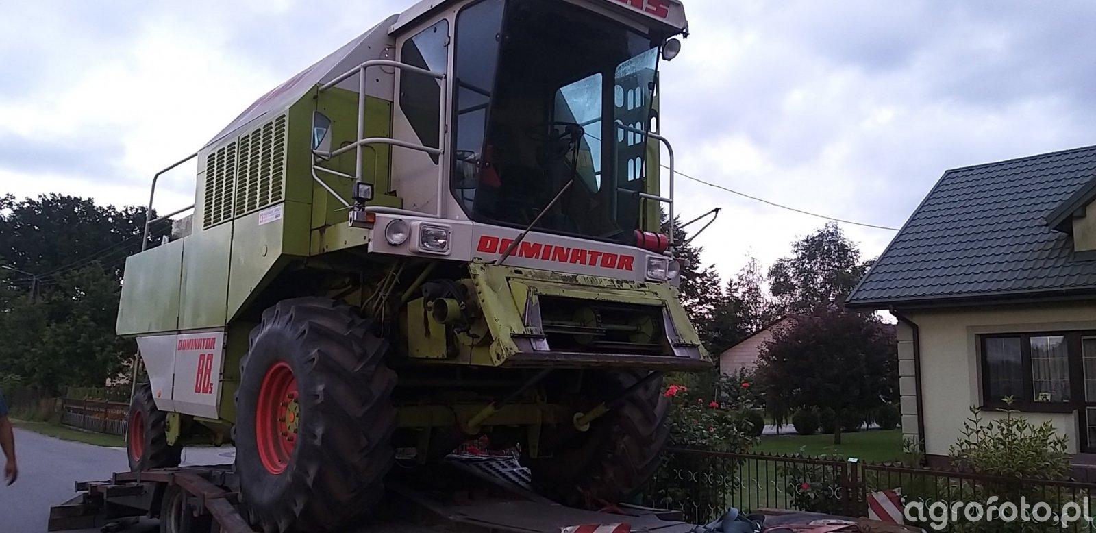 Claas Dominator 88s
