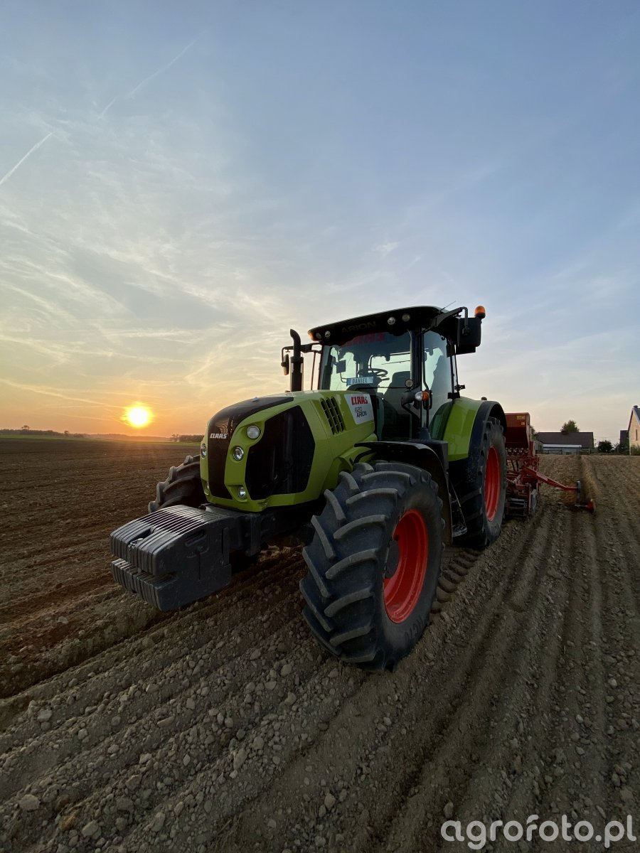 Claas Arion620