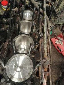 Zestawy naprawcze silnika Zetor 8045