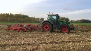 Fendt 826 Vario & Vaderstad Carrier XL 625