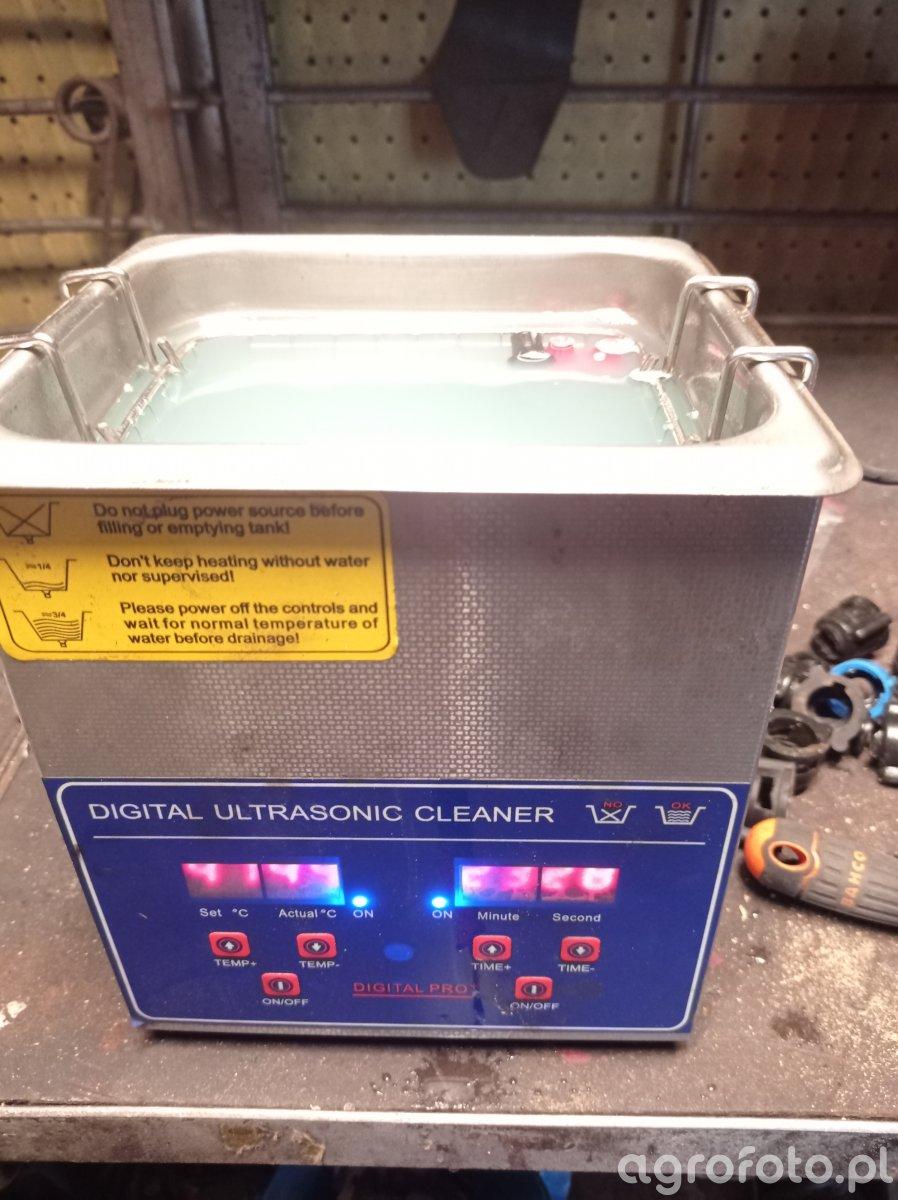 Mycie rozpylaczy myjką ultradźwiękową