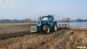 New Holland T7.210 & Unia Ibis XMS 4+1