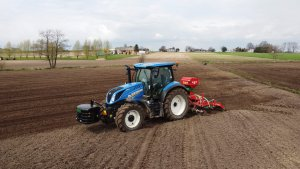 Siew trawy New Holland T6.145DC+ Agromasz Grass 300