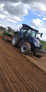 New Holland T5. 140 Dynamic Command