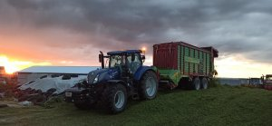 New Holland T7 Blue Power & Strautmann